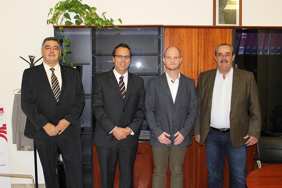 El equipo rectoral de la UNIFEOB acompañado por Ausias Garrigós, vicerrector adjunto de Relaciones Internacionales de la UMH