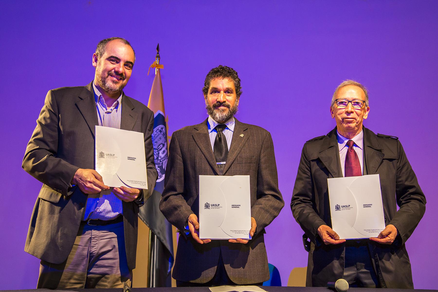 La UMH firma un convenio especifico con la UASLP