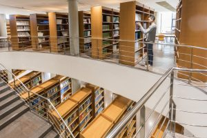 Biblioteca Campus Desamparados UMH vida universitaria