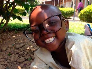VIII Programa de Voluntariat Ruanda jove ulleres UMH